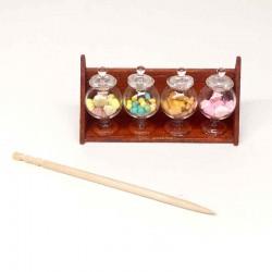 Баночки с печеньем и конфетами на полочке, миниатюра 1:12