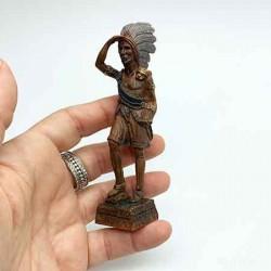 Статуэтка Индеец, кукольная миниатюра 1:12
