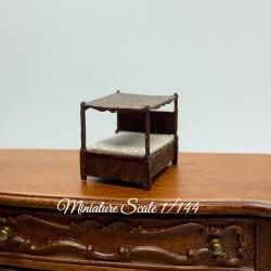 Кровать Tudor, миниатюра 1:144