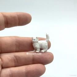 Котик белый, миниатюра 1:24