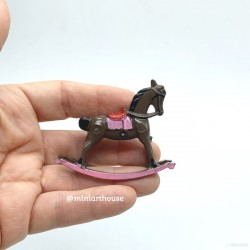Лошадка - качалка, маленькая, миниатюра 1:12