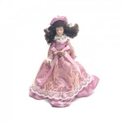Викторианская дама в розовом наряде, миниатюра 1:12