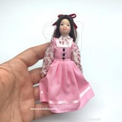 Викторианская девочка с длинными волосами, миниатюра 1:12
