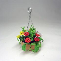 Цветы в подвесном горшке