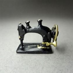 Швейная машинка, миниатюра 1:12
