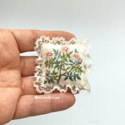 Подушка Ботаника, вышивка, миниатюра 1:12